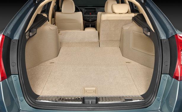 Хонда Кросстур вместительный багажник