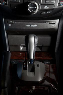 Honda Crosstour ручка КПП