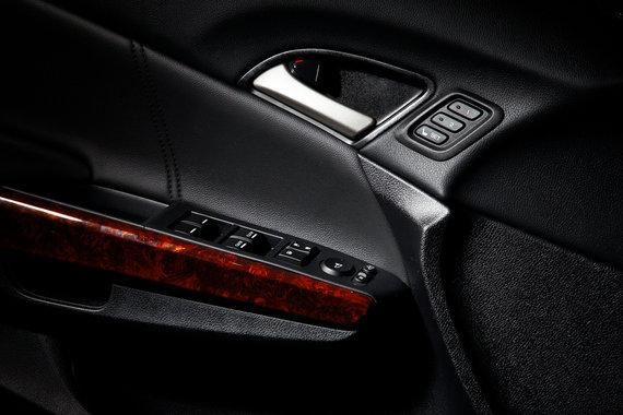 Хонда Кросстур отделка дверей