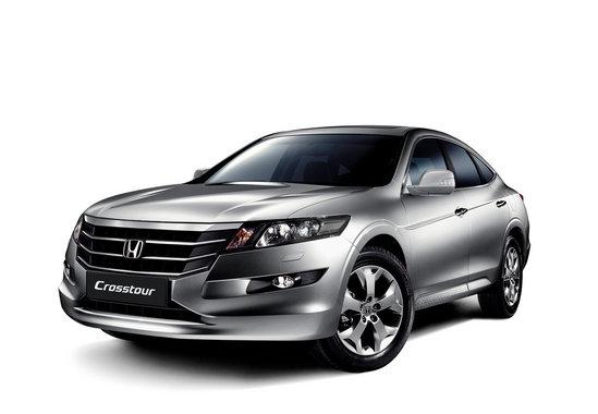 Хонда Кросстур серебристого цвета