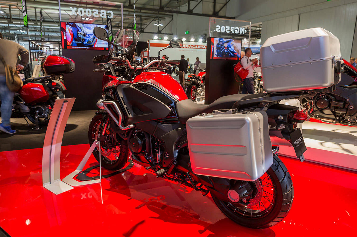 Yamaha YZF-R1 — Википедия